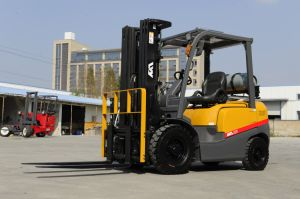Chinese New 4ton LPG Forklift with Nissan for Oversea