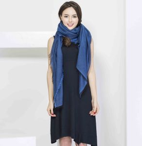 2017 New Jacquard 100% Cashmere Women Scarf pictures & photos