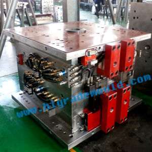 Injection Mould/Auto Plastic Mould/Plastic Molding/Car Injection Mould pictures & photos