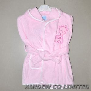Baby Cotton Bathrobe with Embroidery. pictures & photos
