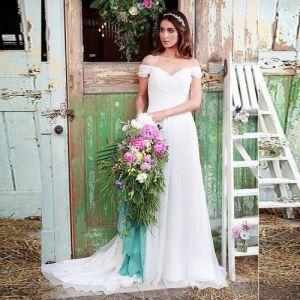 China Off Shoulder White Chiffon Beach Wedding Dress Sa003 China Wedding Dress And Bridal Gown Price