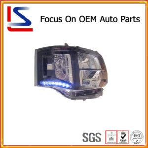 Auto / Car Parts LED White/Black HID Head Lamp for Hiace′11 pictures & photos