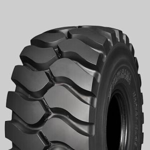 Tires for Komatsu HD465 Mining Dump Trucks pictures & photos