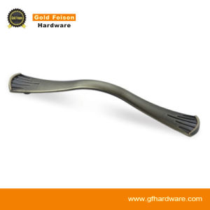Zinc Alloy Furniture Handle/ Pull Cabinet Handle (B612) pictures & photos