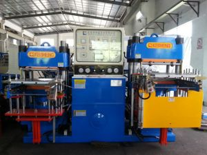 Custom Made Rubber Hydraulic Press Machine for Special Use pictures & photos