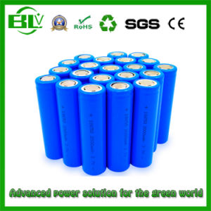 Li-ion Battery 3.7V 2000mAh 18650/Cylinder/Lithium Battery with Stock pictures & photos