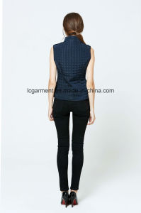 OEM ODM Winter New Design Fashionbale Women Vest with Pockets pictures & photos