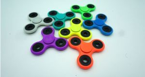2017 The Popular Finger Spinner /Hand Spinner for Anti Stress pictures & photos