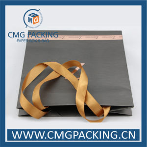 Concave-Convex Logo Luxury Paper Bag with Wide Silk Ribbon (CMG-MAY-021) pictures & photos