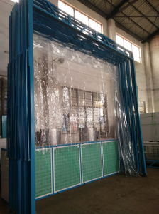 Simple and Convient Operational Paint Booth pictures & photos