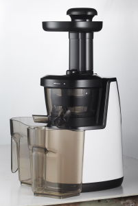 Slow Juicer, Available in Different Colors pictures & photos