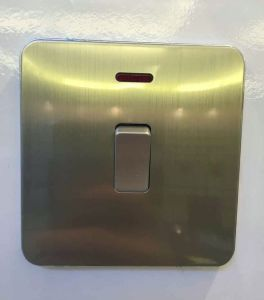 Fashion Design UK Standard 20A Water Heater Wall Switch pictures & photos