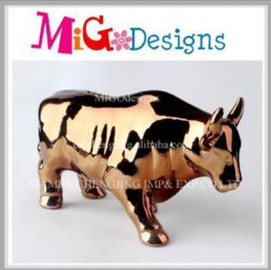 Top Sale Cute Bull Shaped Ceramic Money Piggy Bank pictures & photos
