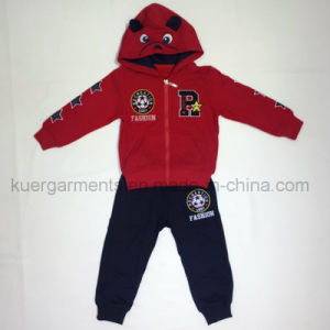 Popular Good Style Kids Sport Suit in Kids Clothes