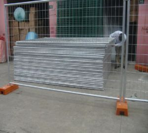 Iron Wire Mesh with Plastic Base pictures & photos