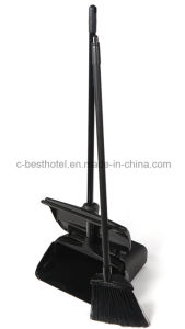Black Wind-Proof Lobby Dustpan with Long Steel Handle pictures & photos