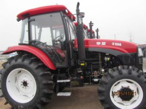 Ce 100HP 110HP Agricultural Wheeled Tractor with Cabin pictures & photos