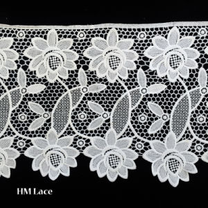 China Wide Sunflower Pattern Lace Trimming Polyester Border White