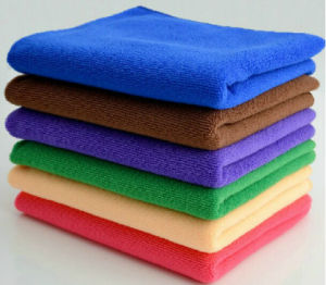 100% PE Classic Microfiber Cloth for Car Cleaning (4001) pictures & photos