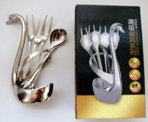 High Quality Stainless Steel Swan Fork and Spoon Set with Elegant Wooden Box Packing