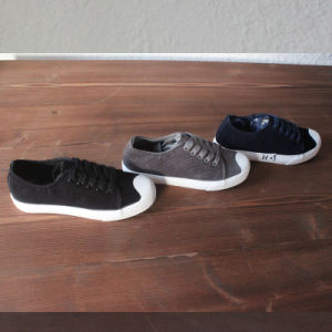 Canvas Shoes in Casual Corduroy Shoes pictures & photos