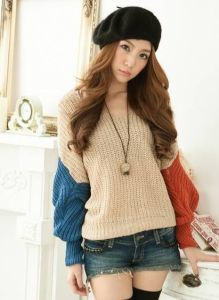 Hooded Sweater Hedging Loose Bat Sleeve V-Neck Sweater (BTQ106) pictures & photos