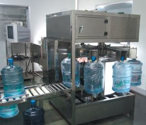 Bagging Machine for 5 Gallon Water Bottles pictures & photos