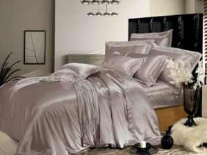 Taihu Snow Home Textile Oeko-Tex Quality Bed Linen Sheet Seamless Silk Bedding Set pictures & photos