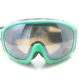 TPU Frame Custom Logo Lens Snow Goggles pictures & photos