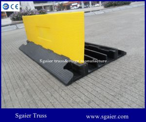 Hot Sale Great Quality Flexible 100% Rubber 3 Channel Floor Cable Ramp pictures & photos