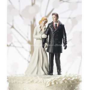 Personalized Wedding Winter Wonderland Couple Figurine Cake Topper pictures & photos