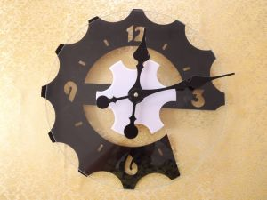 Acrylic Clock & Home Decoration Wall Clock pictures & photos