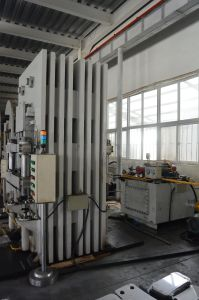 3000t Hydraulic Press for Metal Plates Stamping/Forming-Energy Saving Type pictures & photos