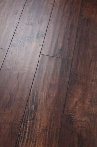 Distressed Handscraped Maple Laminated Flooring Embossed-in-Surface (EIR) AC3 E1 pictures & photos