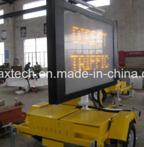 Solar Powered Amber Colour Portable Traffic Sign pictures & photos