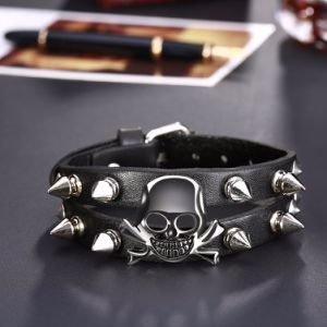 Fashion Skull Rivet Wristband Men′s Wide Leather Bracelets pictures & photos
