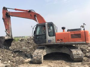 Good Used Excavator Hitachi Zx240-3G 2014 pictures & photos