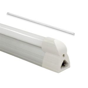 Dimmable LED T5 Tube with Isolated Internal Driver