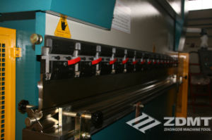 Popular Hydraulic Bending Machine/Press Brake/Plate Bender pictures & photos