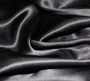 Black Silk Handfeel Polyester Satin Fabric for Robe/Nightwear pictures & photos