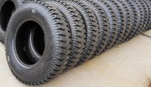 Pneumatic Forklift Tire Ind Industrial Tire 7.00-12 8.25-12 pictures & photos