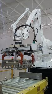 Fully Automatic Rice Bagging System Palletizing Line with Robot Palletizer pictures & photos