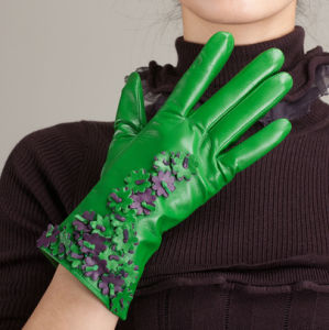 Women Fashion Leather Glove with Green Color (WTS881)
