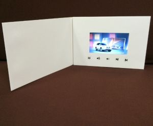 Factory Supply Invitation LCD Video Brochure Card pictures & photos