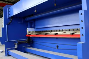 High Qualtity CNC Press Brake (CNC benidng machine) pictures & photos
