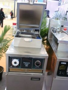 Mechanical Control Panel Chicken Gas Pressure Fryer Pfg-500 pictures & photos