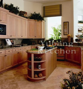 Solid Wood Kitchen Cabinet #225 pictures & photos