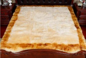 Fashion and Soft Medical Sheepskin Underlay / Bed Pad pictures & photos