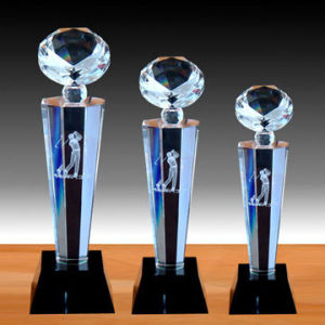 New Arrival Customized Design Popular Crystal Glass Trophy Awards For Promotional Gifts
