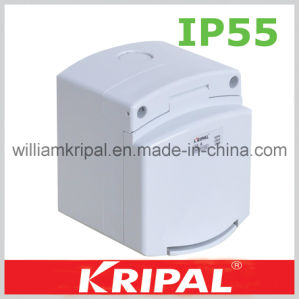 3 Pin 13A British Standard Waterproof Socket pictures & photos